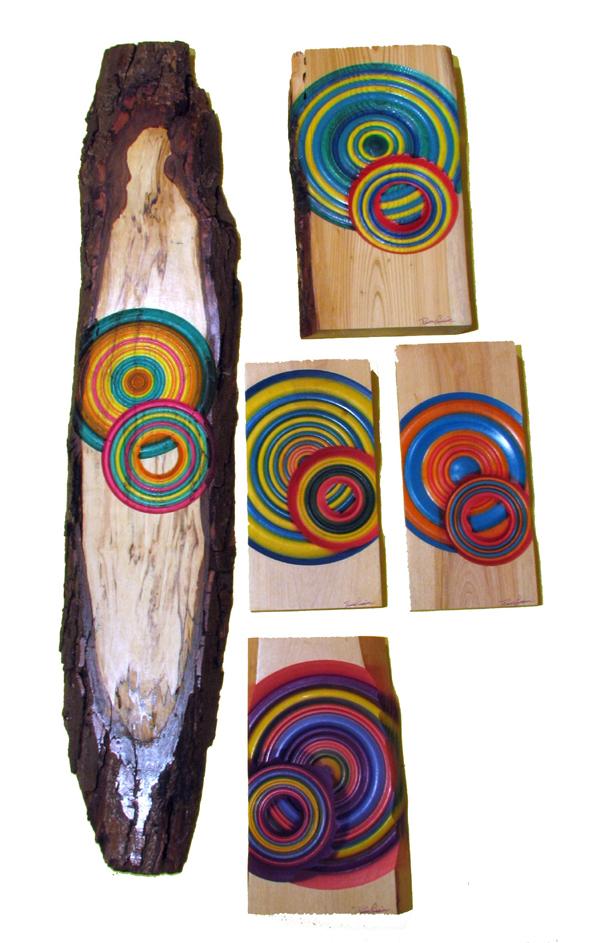 Ensemble de cercles de couleurs - Art mural en bois tourné.