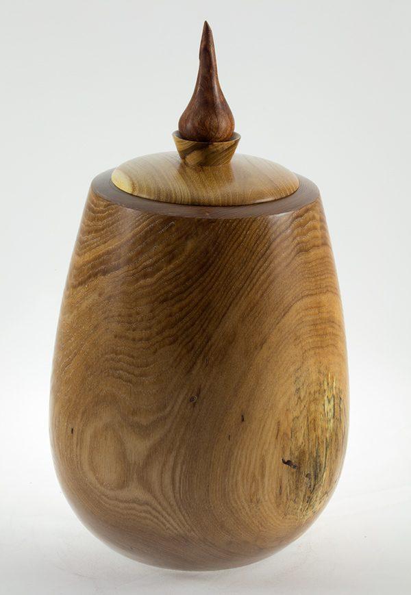 Urne funéraire en bois, #55-Frêne Coti 7.75 x 13.5po.