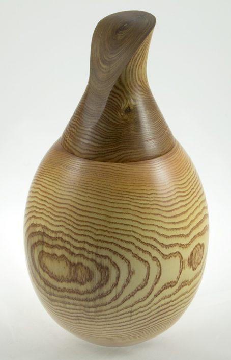 Urne funeraire en bois - #65-Frêne 12.5 x 7po.
