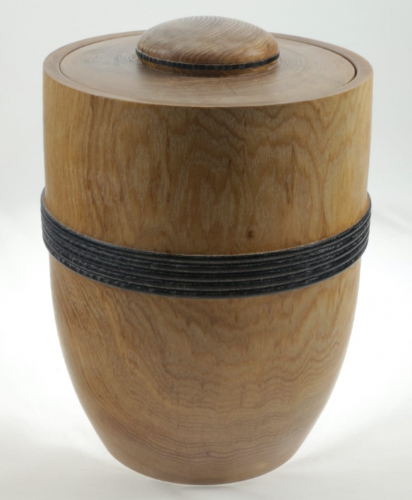 Urne funéraire en bois - #99a-Frêne 7.5 x 10.5po.