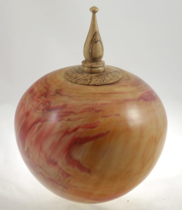 Urne funéraire en bois - #100-Erable à Giguère 9 x 7.25 po.-250po3