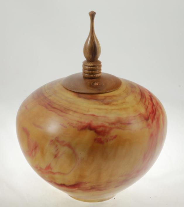 Urne funéraire en bois - #102a-Erable à Giguère 9 x 7 po.-225po3