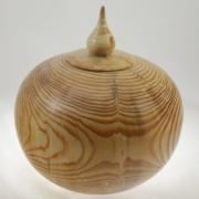 Urne funéraire en bois - #105a-Pin 9.75 x 7.25 po.-250po3