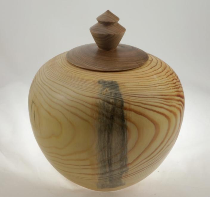 Urne funéraire en bois - #106-Pin 9 x 7.25 po.-250po3